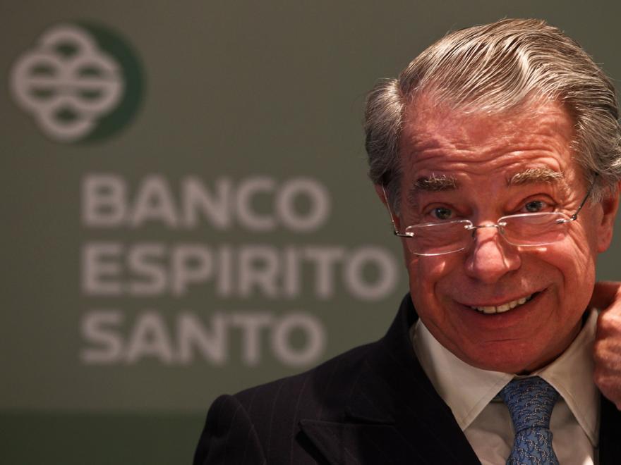 Ricardo Salgado deixa buraco na Sardenha depois de sair sem pagar o minibar