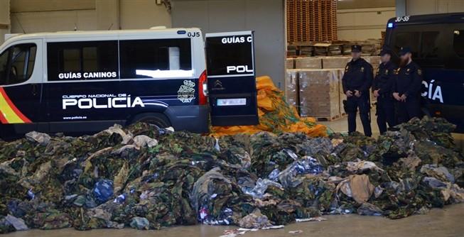Apreensão em Espanha de 20 mil uniformes para jihadistas levam a crer que o Daesh também vai à Zara