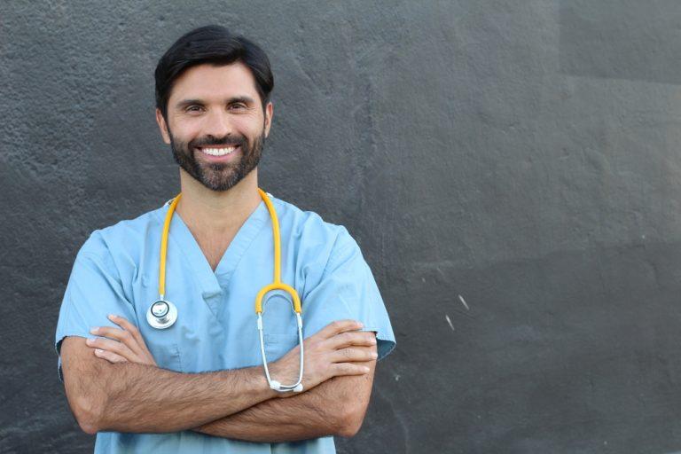 Com novas regras, restaurantes já não são conhecidos pelos seus chefs, mas pelos seus enfermeirs