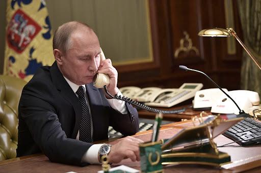 Putin já foi informado de que poderá ter de passar a obter moradas através das Páginas Amarelas